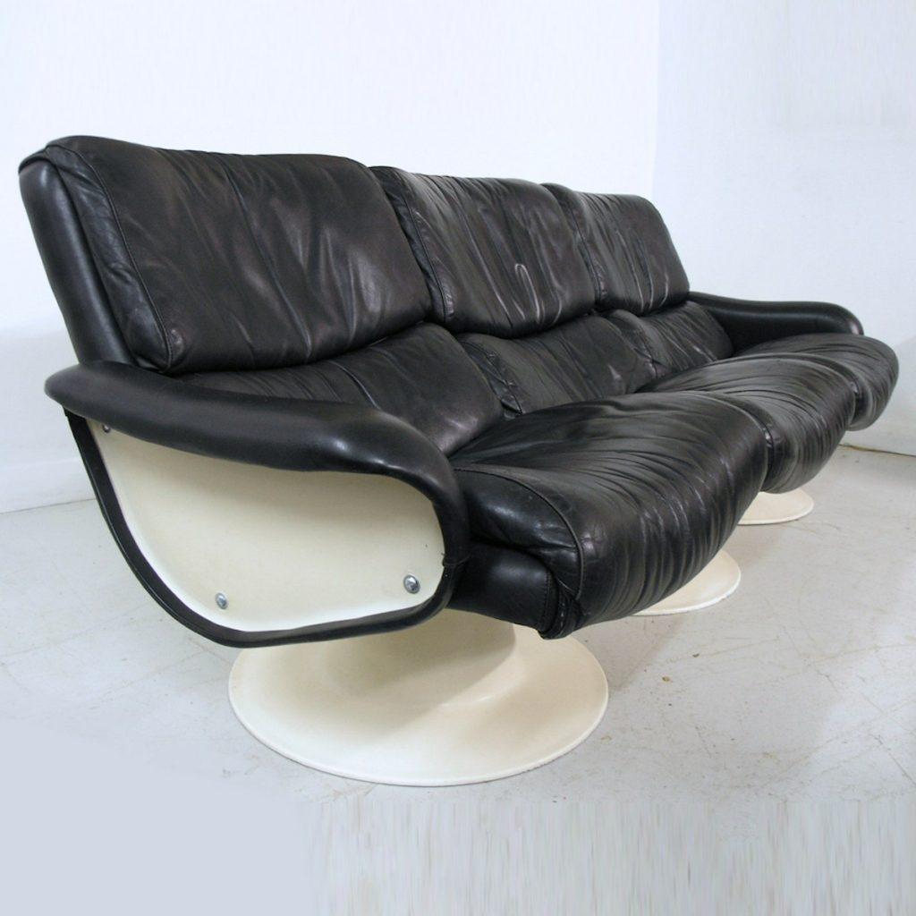 Kukkapuro Saturn sofa