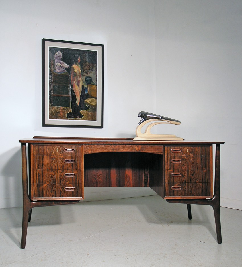 Svend Madsen desk